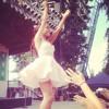 Ariana Grande - Listen