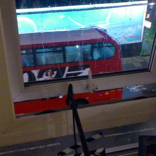 Pub Ambience - London - People - Crowds - Warble