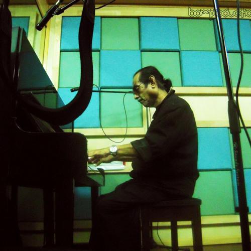 Ku Shah - Piano Solo: Birthday Present Adeek