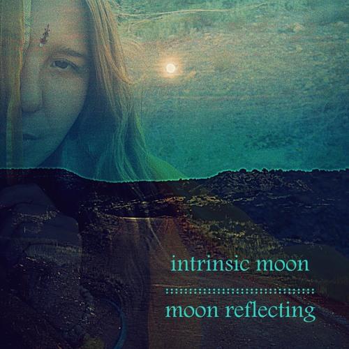 Moon Reflecting - intrinsic moon