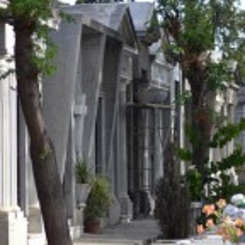 Chilean Cemetery's Party-Like Atmosphere