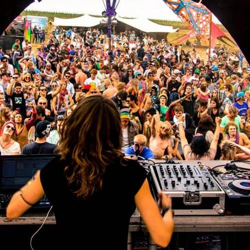 Iliuchina Live - ZONE Festival >> FREE DOWNLOAD!