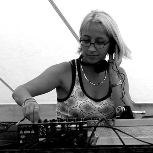 SCANDALOUS III - DJ NAUGHTY
