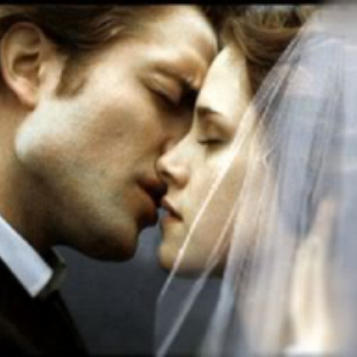 New Twilight Saga Film Hopes to Be Highest Grossing Movie of 2012