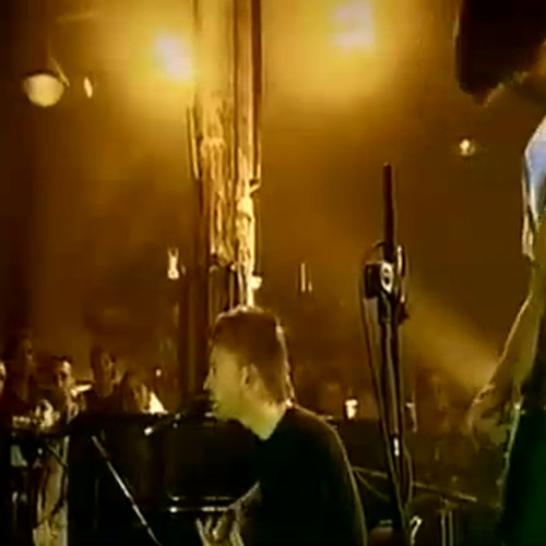Radiohead - Knives Out (Live at Le Reservoir 2003)