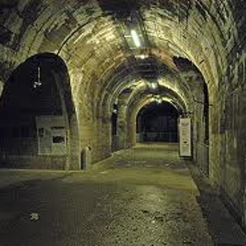 By Manne Tunnel Con Uscita