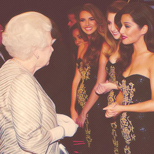 Nadine Coyle meets Queen Elizabeth II (language barrier)