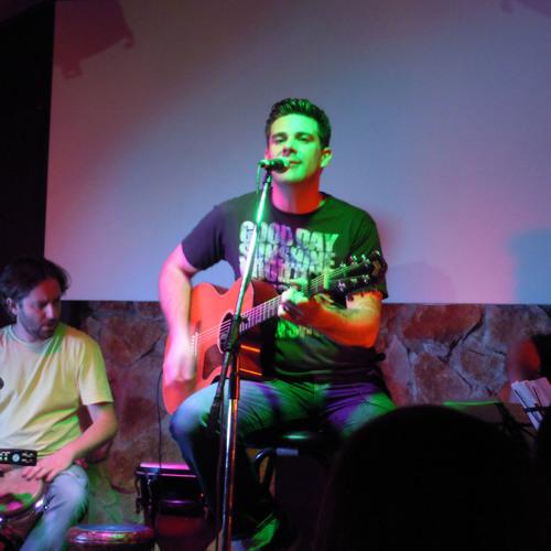 Alex MALDONADO - Atrapado (acústico voz y guitarra en Cadena Ser Mallorca)