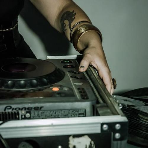 divaDanielle 90.1FM/KZMU Nov12th, 2012
