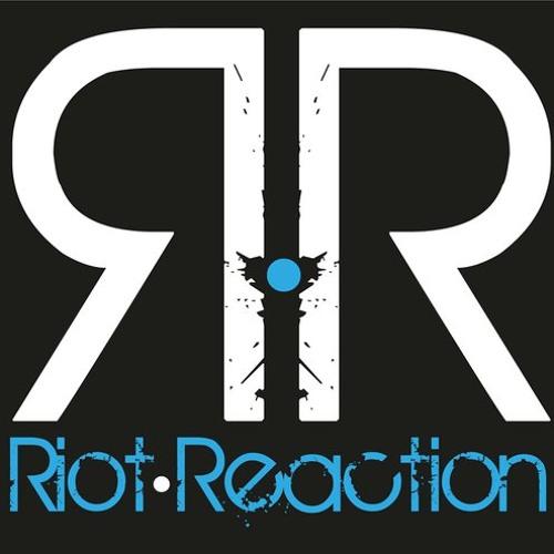 Riot Reaction - The Strip Shake (Original Mix) Clip