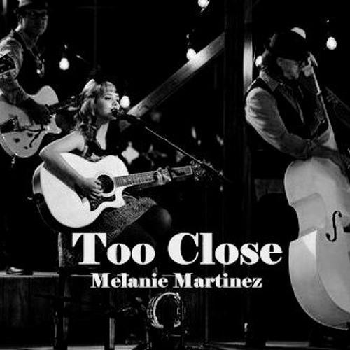 Melanie Martinez - Too Close (Live)