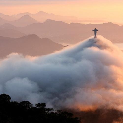 Vincent Vossen | Above The Clouds
