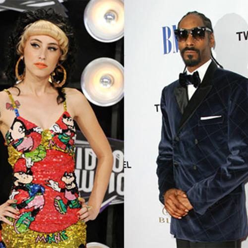 "Snoop Dogg ""Keep it Crackn"" feat. Kreayshawn & V-Nasty"