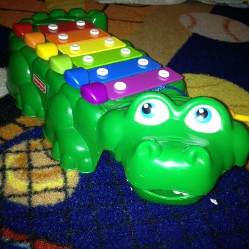 improvisation on a toy alligator at Gentry House