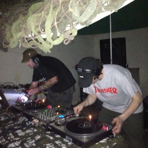 Digital Whax  (Dvs vs Syndrome-Live) on Soitiz Radio