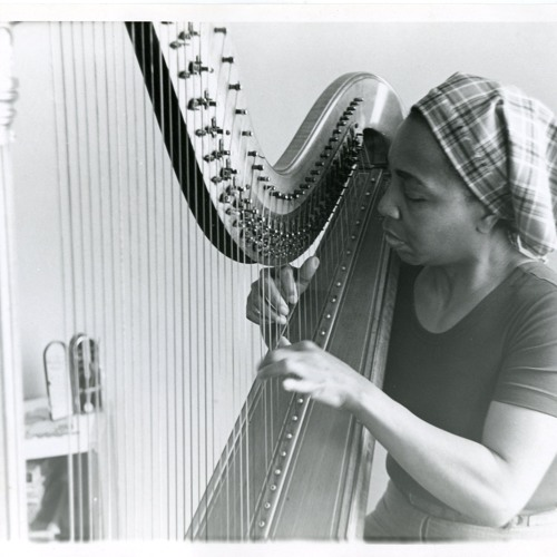 Sounds from the harp
