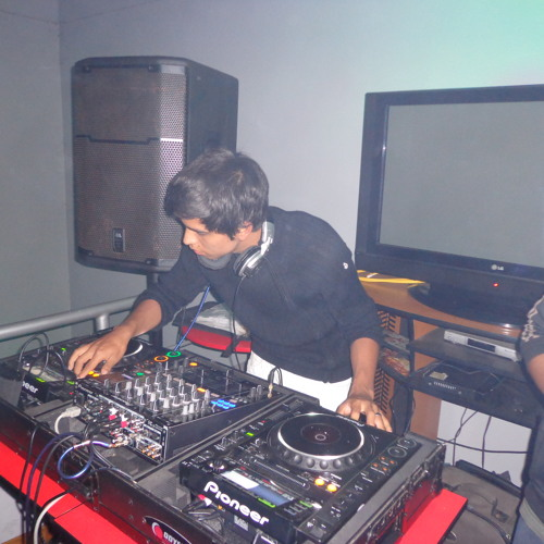 135 DERO FT NENE MALO - ARE YOU READY & CHETOS(DJ BOSS 2013 BAJA 101)