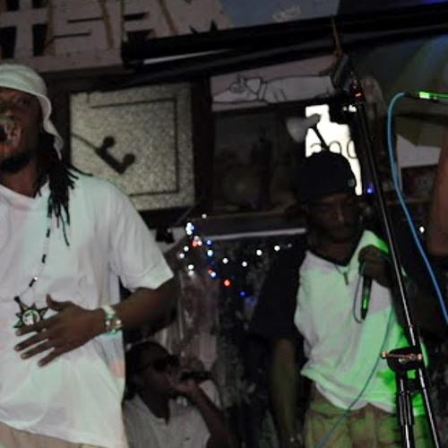 Down Low Hiphop Show Freestyle pt1---->ANGELZ INC
