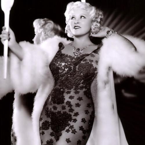 Mae West: cuerpo de escándalo, lengua de serpiente