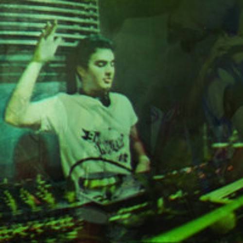 DJ Pablo - Delightful Girls at Night Party