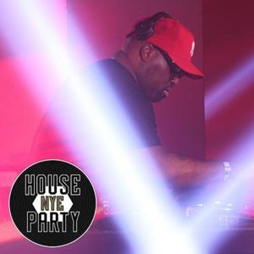 Channel 4 House Party NYE 2012 | Frankie Knuckles