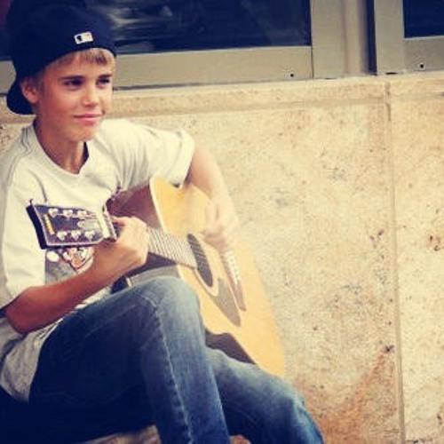 Justin Bieber - Mama's Boy