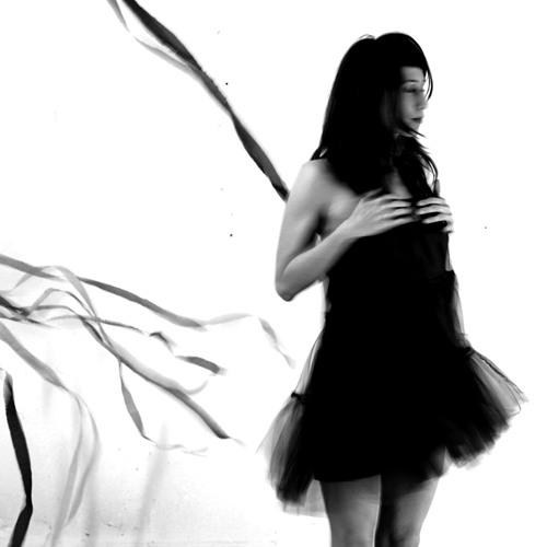 Whisper / feat. Valeska Jakobowicz /