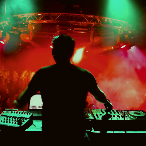 Momentum-Dimitri Vegas & Like Mike, Regi (Bonder Remix)