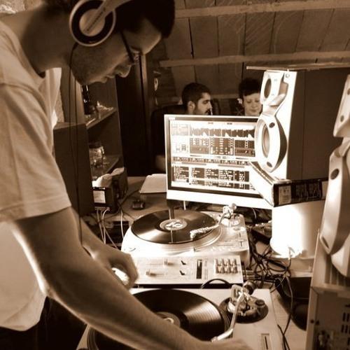 Andaluces en el Espacio - Kill It All Around (Energy Man Remix) Free Download