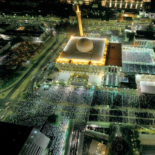 صدر سورة النحل من ليالي رمضان ١٤٢٦هـ في المسجد الكبير بدولة الكويت