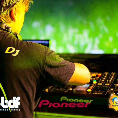 Tomcraft - Loneliness (DJ BEATAX Mush Up 2013)