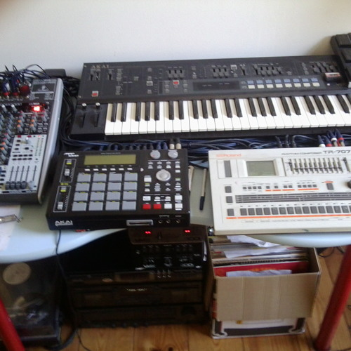 Space Tapes Live Set 001 - Go Hardware or Go Home (AX60 KS5 TR707 MPC1000)