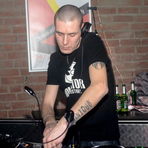 THE VINYLRAIDER (GER) PRES. TOSBENCORE ON TOXIC SICKNESS RADIO | SHOW #13 | 16TH JANUARY 2013
