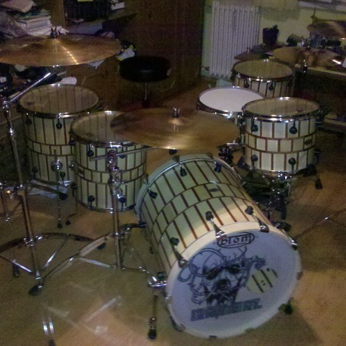 Szaki on Btom Custom Drums