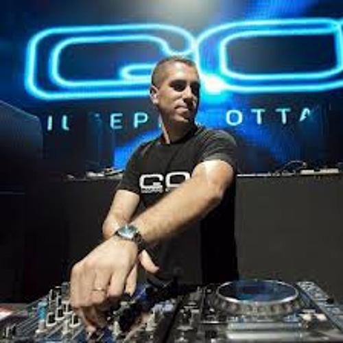 Dj Madwave - Neverending Story (7 Baltic Remix)@Giuseppe Ottaviani - GO On Air 025