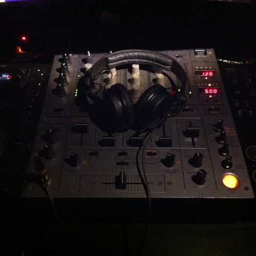 Tribal Tech Mix from Frankie Feng @ 2013 Jan 21