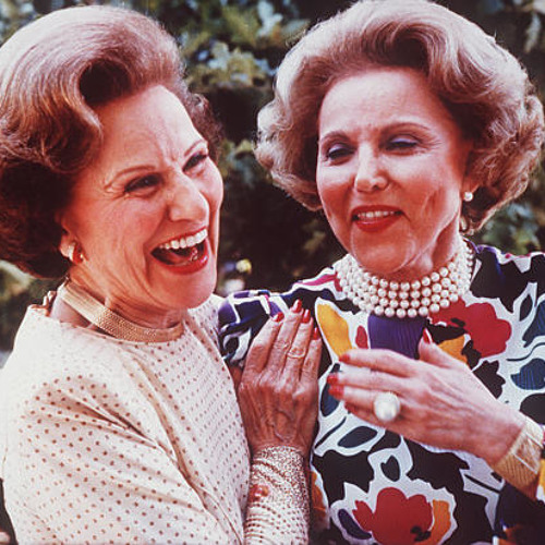 Dear Abby and Ann Landers: Sisters torn asunder
