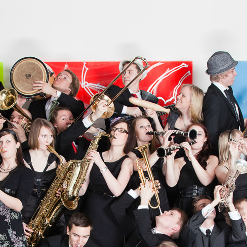 Torvikopla Big Band - Wonderwall (Live/Klubi 2012)