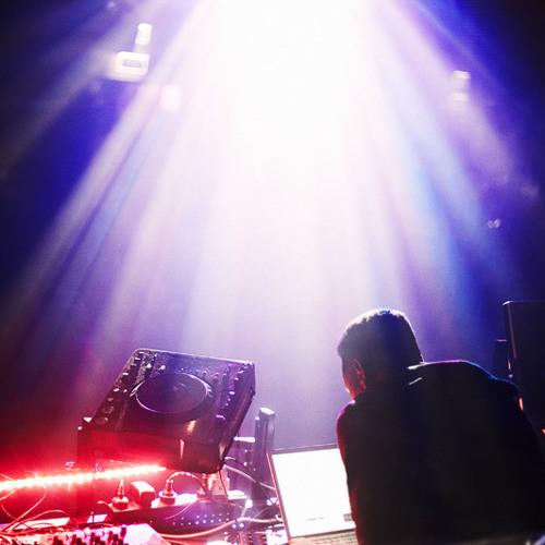 Voice In A Giant City [BLOCK.FM TOKYO MIX BLOCK 14 01 2012]