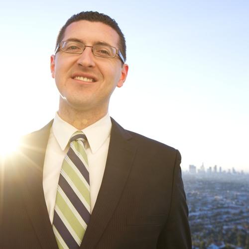 Emanuel Pleitez, candidato a la alcaldia de LA, habla con La Prensa de Los Angeles