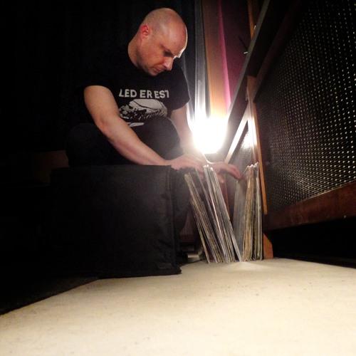 MICK WILLS @SCHWINGEN DER FREIHEIT -- NUERTINGEN --  GERMANY -- 31.12.2012