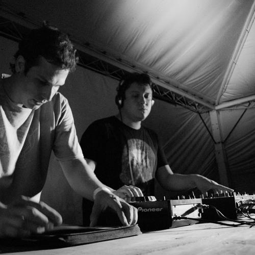 Shigaki & Lukas Torres - Techno ao vivo e sem cores