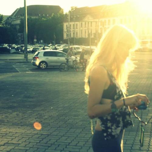 Alice Phoebe Lou & KlangKuenstler - Amsterdam