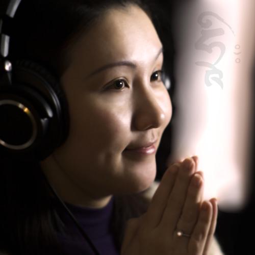 大悲咒     Vocal/Crystal Parker      Instrumental/Marty Wong     Photo/Idris Ho