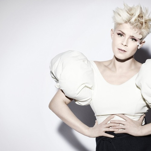 Robyn-Dancing On My Own (Orly Productions MASTER BLASTER Remix)