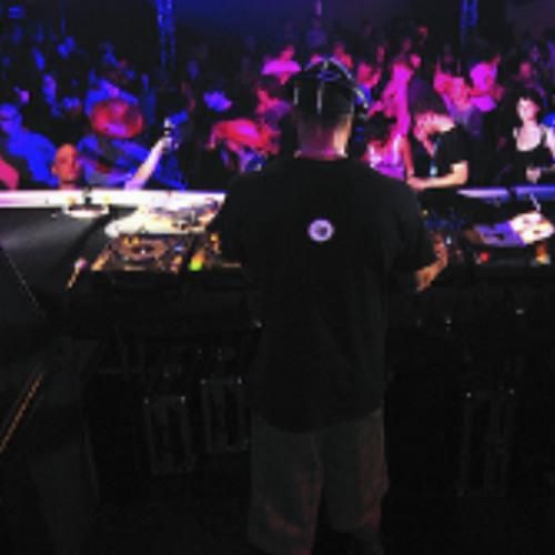 Dj Klicky Live @ Equinox Private Party (Paris-France) cut 1