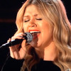 Kelly Clarkson 2013 Grammy Performance - Tennessee Waltz (Patti Page) Natural Woman (Carol King)