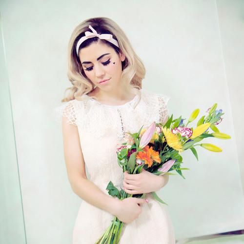 Marina & the Diamonds vs Katy Perry - Oh Me!