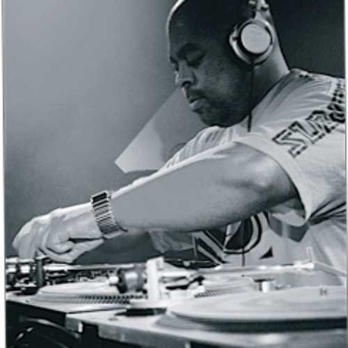 SNTWN Podcast 019 - DJ Bone - 02/2013