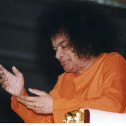 Radhe Radhe Radhe Govinda - Prasanthi Mandir Bhajan